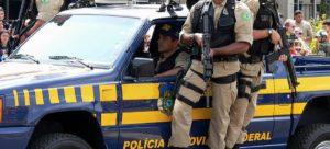 A PRF - Polícia Rodoviária Federal do Brasil em atuação