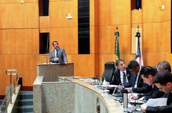 Governo do Espírito Santo anuncia abertura de concurso para saúde, educação e política